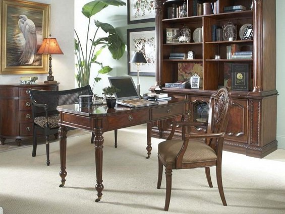 Письменный стол Fine Furniture ANTEBELLUM DESK арт 920-925: фото 1